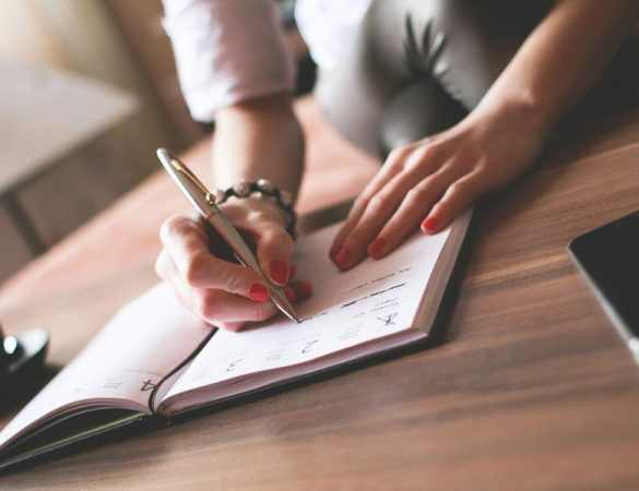 <em>aprende desde cero</em><br/> ¿Sabes aplicar el SEO correctamente a tu blog? ¿Conoces las reglas de Google?